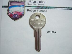 Key Blank for Vintage Willys & Cord Autos - Cessna & Piper Aircraft (O1122A)