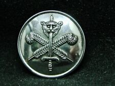 GRIGGS Family SWORD IMPALING CAT + FEATHERS 25mm S/P LIVERY BUTTON PLATT c 1900