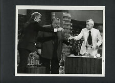 ORSON WELLES PERFORMS MAGIC ON THE TONIGHT SHOW -1976 JOHNNY CARSON + ED McMAHAN