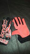 Sondico Boys goalkeeper gloves in red/black Bargain!!