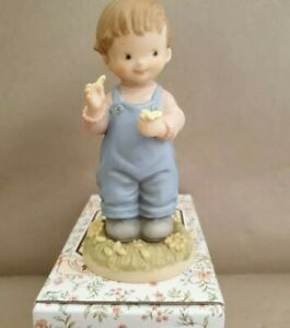 """Mabel Lucie Attwell, memories of yesterday 1998  """"She loves me"""".New-Boxed"""
