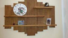 Pensile libreria a muro di rovere fatto a mano