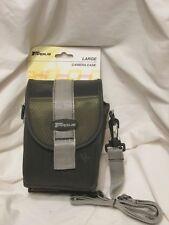 New Standard Camera Case Shoulder Strap Belt Loop Zipper Closure Green Black