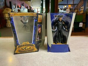 Wrestling WWE Defining Moments 2015 THE UNDERTAKER Action Figure