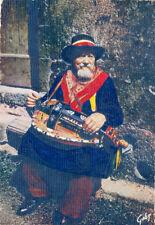 PUY-DE-DÔME joueur de vieille à roue timbrée 1980