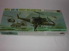RARE VINTAGE 1969 REVELL BELL UH-1D HUEY HELICOPTER 1/32 SCALE MODEL KIT NICE