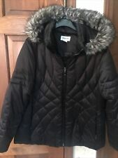 ST JOHNS BAY Woman's DOWN Jacket XL Extra LARGE Hooded, Excellent, Fur Trim