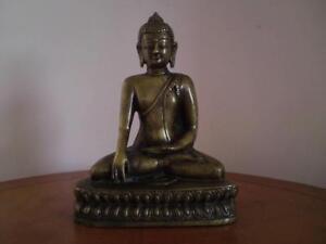 Antique Indian / Tibetan Bronze Buddha Akshobhya Shakyamuni early 20th century