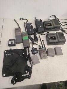 Motorola HT60 Two Way Handheld Radio Handie Talkie W/Batteries & Accessories