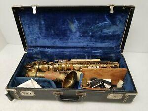 ElkHart Alto Saxophone With Hard Case