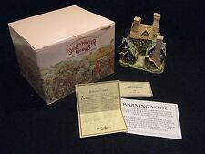 1983 David Winter Cottages Hertford Court, Original Box, Coa