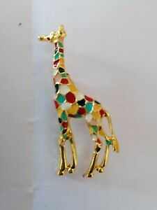 Lovely Giraffe Themed Brooch, Immaculate Condition