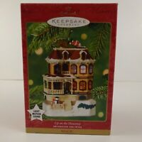 2001 Up on the Housetop Hallmark Magic Ornament Light Motion Sound