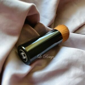 """CHANEL Les Beiges Water-Fresh Teint Foundation Brush Travel size 3.75"""""""