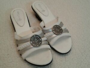 """AIR SUPPLY + PLUS TRUDY WOMEN'S WHITE 1.5"""" SHOES HEELS SANDALS MULES Size 6.5 M"""