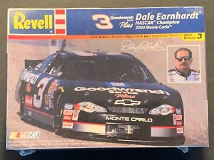 Revell-Dale Earnhardt #3 Goodwrench/Plus 2000 Monte Carlo-Model Kit 1:24 scale