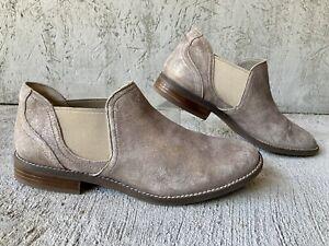 Clarks Camzin Ultimate Comfort Collection Pewter/Metallic Suede Chelsea Boot 12