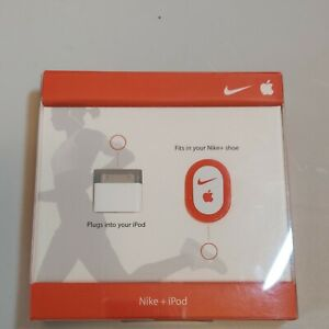 NIKE + IPOD SPORT KIT - DESIGNED BY APPLE & NIKE - FITS IN YOUR NIKE + SHOE!