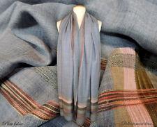 Très jolie étole 100% laine coloris gris, bordures multicolores - CH14