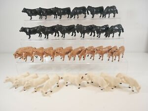 Joblot of 32 Britains Model Cows/Cattle