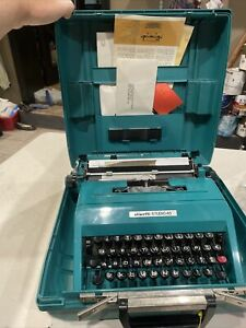 Vintage Olivetti Studio 45 Mechanical Typewriter with Case