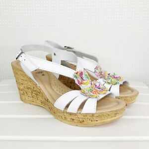 Spring Step Sandals Heels Size 39 US 8.5 White Leather Boho Floral Buckle Wedge