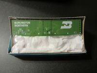 Athearn/Bev-Bel HO Scale 50 Foot Burlington Northern (BN) Plug Door Box Car Kit