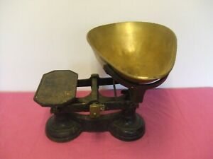 vintage Avery scales to weigh up to 14lb