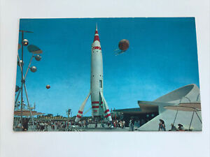 DISNEYLAND Postcard--Tomorrowland--TWA Rocket Ride--Autopia Richfield Speedboats