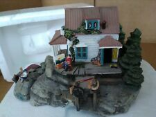 Hawthorne Water-Color Cottage - Mini Lake House Summer Vacation Home Cabin Nib