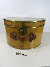 Ancienne boite à chapeau bois et laiton fin XIXe