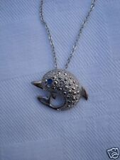 Pendentif  bijou dauphin + chaine couleur argent neuf