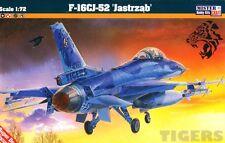 F -16 C BLOCK 52+ FALCON (GREEK, KOREAN, POLISH, SINGAPORE MKGS)1/72 MISTERCRAFT