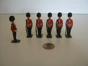 Vintage Britains Lead Royal Palace Gaurd Soldiers. Early 1900's. Nice Condition.