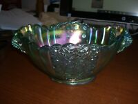 FENTON DAISY & BUTTON IRIDESCENT CARNIVAL GREEN HANDLED CONSOLE BOWL WITH TAG