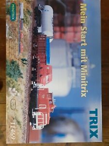 Minitrix starter trainset N guage Diesel mixed freight. Collectable