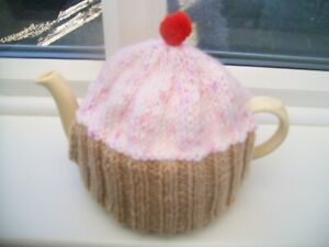 HAND KNITTED CUPCAKE TEA COSY FOR A MEDIUM 3-4 CUP TEAPOT