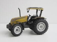 VALTRA A850 1/32 TRACTOR Universal Hobbies UH Traktor Brazil Brasil A 850 UH4011