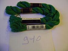 DMC coton perlé N° 5 pour la grosseur et N°910 pour la couleur, long 25 mètres