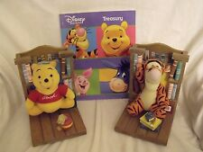 Wooden Disney Bookends Winnie the Pooh and Tigger Plus Extra Book. T1