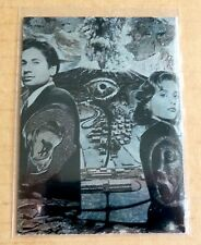 TOPPS THE X-FILES SEASON TWO TRADING CARDS;  i2 ETCHED FOIL CHASE CARD