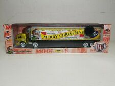 M2 MACHINES MOON PIE CHRISTMAS HAULER CAR INSIDE TRAILER