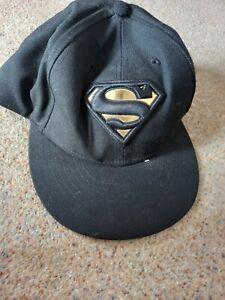 New Era Cap 59fifty Superman Size 8, 63.5cm Black and gold