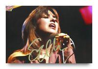 Suzi Quatro Signed 6x4 Photo Can The Can Genuine Autograph Memorabilia + COA