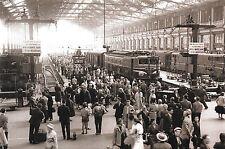 Paris Gare de Lyon, entrée en gare d'un train remorqué par une 2D2 9100