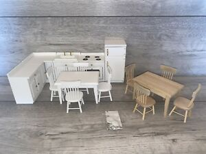 Beautiful 1/12 Scale Dolls House Furniture Kitchen Table Chairs Fridge