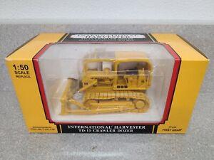 International IH TD-15 Crawler Dozer - Yellow - First Gear 1:50 Scale #50-3059