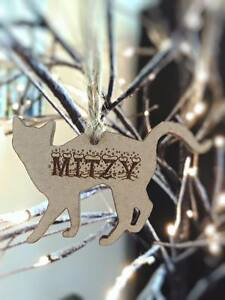 PERSONALISED WOODEN CAT SHAPE NAME UNIQUE GIFT TAGS XMAS HANGING DECORATION