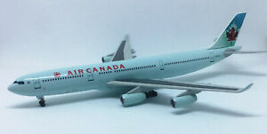 Dragon Wings 1/400 diecast model Air Canada Airbus A340-300 C-FYLU blue fuse c/s