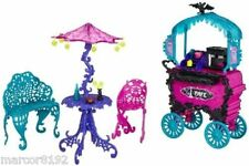 Monster High Scaris City of Frights Cafe Cart With Table Umbrella Chair Bench